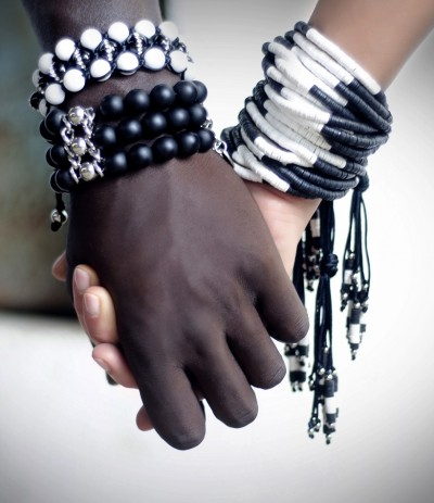 INSOLENCE  BLACK & WHITE (Pulsera) (Exclusivo)