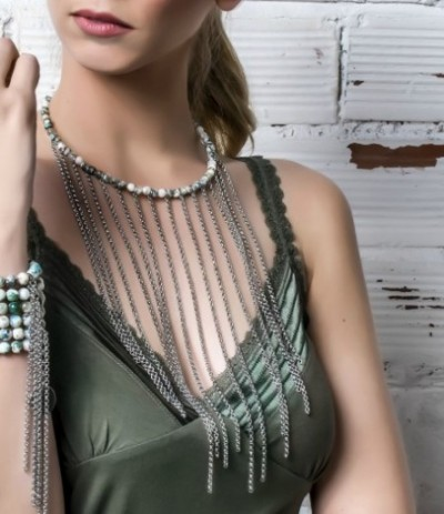 DAIRA GREEN (Necklace)