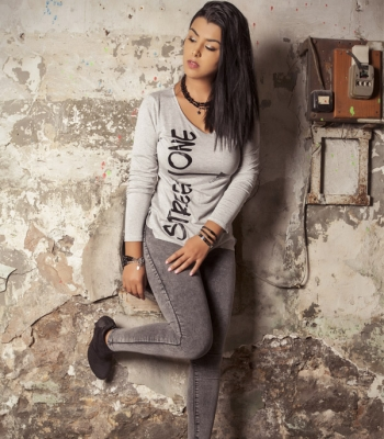 STREET ONE  T-SHIRT (Gray girl)